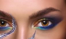 Волшебные переливы на глазах с новыми оттенками перламутровых рассыпчатых теней